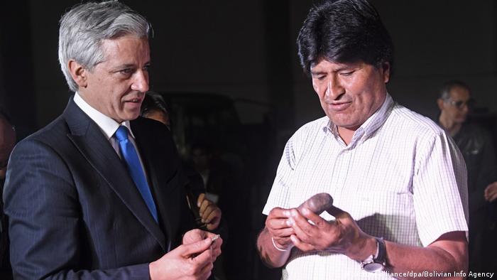 Bolivien Enkel von Hans Ertl übergibt bolivianischen Staat vorspanische Artefakte (picture-alliance/dpa/Bolivian Info Agency)