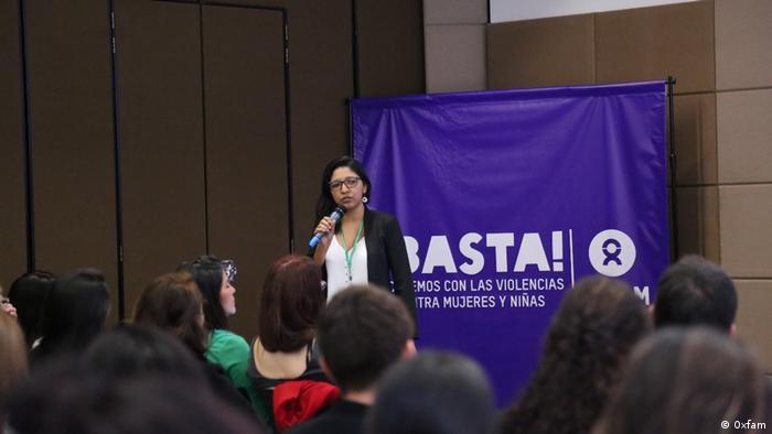 """Damaris Ruiz representa el proyecto ¡Basta!, acabemos con la violencia contra mujeres y niñas""""."""