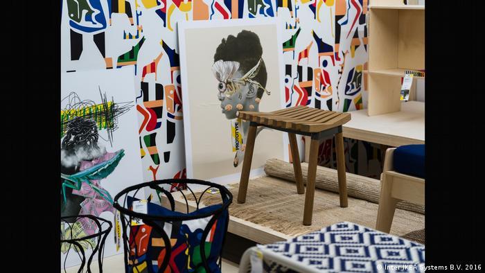 Ein Zimmer mit bunten Mustern an den Wänden (Inter IKEA Systems B.V. 2016)