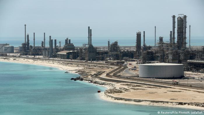 Saudi-Arabien | Aramco-Ölanlage im Hafen Ras Tanura
