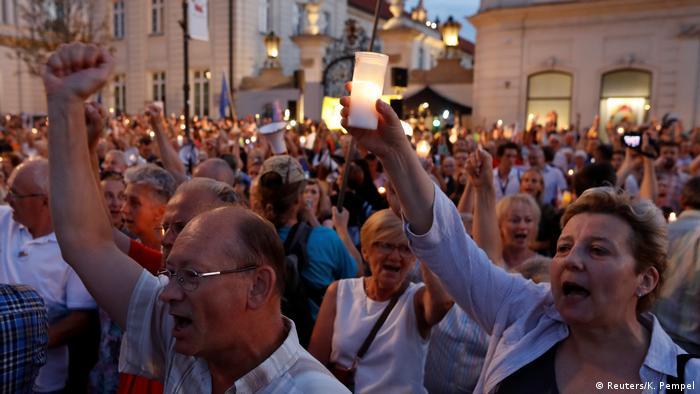 Protest w Warszawie przeciwko reformie sądownictwa (26.07.2018)