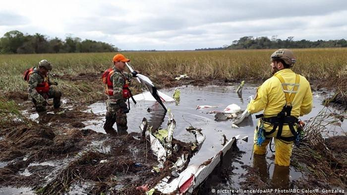 Paraguay | Agrarminister bei Flugzeugabsturz tödlich verunglückt (picture-alliance/dpa/AP Photo/ABC Color/R. Gonzalez)