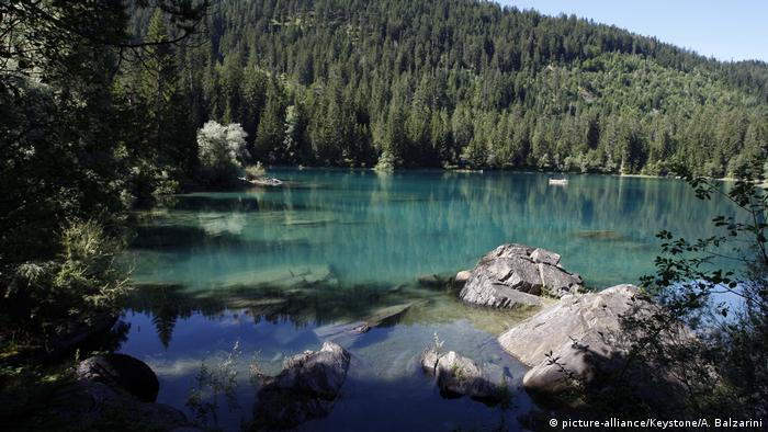 Lake Cauma in Switzerland (picture-alliance/Keystone/A. Balzarini)