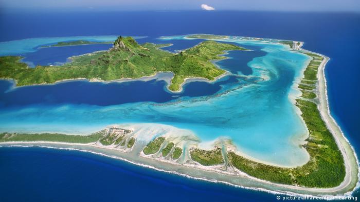 Bora Bora in French Polynesia (picture-alliance/dpa/F.Lanting)