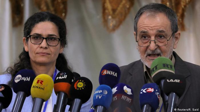 Syrien Co-Vorsitzende des Syrischen Demokratischen Rates (SDC) Ilham Ahmed und Riad Darar (Reuters/R. Said)
