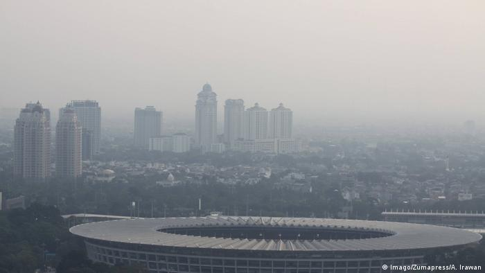 Indonesien Jakarta Smog durch Luftverschmutzung