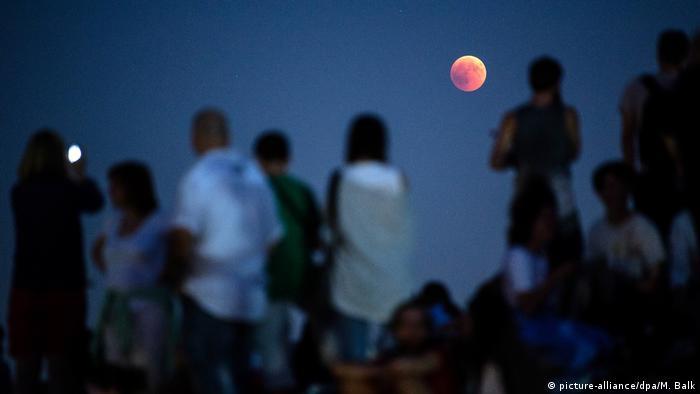 лунное затмение в Баварии