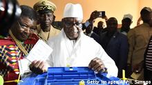 Ibrahim Boubacar Keita casting his vote in Bamako (Getty Images/AFP/I. Sanogo)
