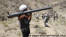 Afghanistan - Taliban Kämpfer (picture alliance/AP Photo/A. Khan)