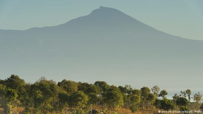 Indonesien Lombok Vulkan Rinjani (picture-alliance/dpa/C. Mohr)