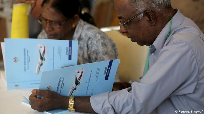 Familiares de desaparecidos leem relatório sobre MH370