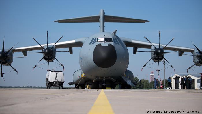 A400 M der Luftwaffe als Intensivstation (picture-alliance/dpa/R. Hirschberger)