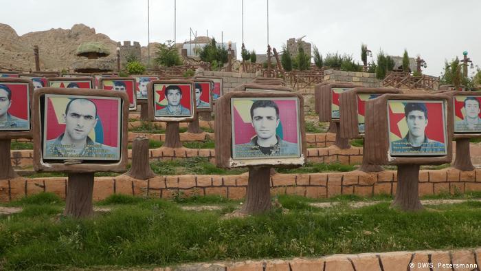 PKK-Märtyrerfriedhof auf dem Mount Sinjar im Nordirak