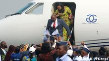 01.08.2018 Congolese opposition leader Jean-Pierre Bemba disembarks a plane as he arrives at the N'djili International Airport in Kinshasa, Democratic Republic of Congo August 1, 2018. REUTERS/Jean Robert N'Kengo