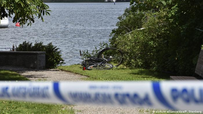 Strangnas, Sweden police tape in area of jewelry heist (picture-alliance/dpa/P. Stenberg)