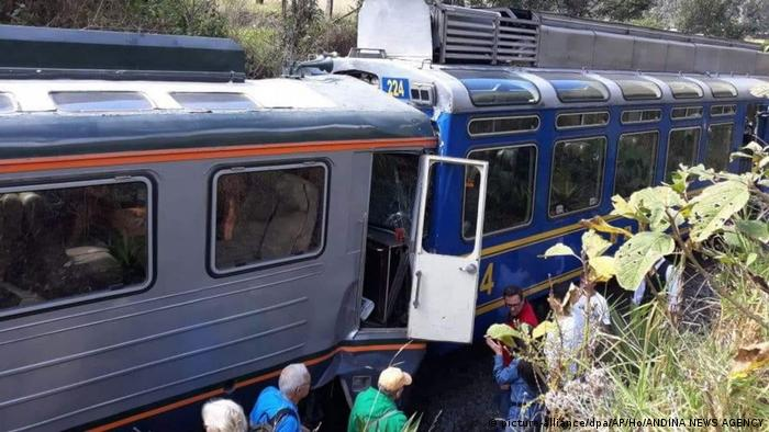 Two trains collided in Peru