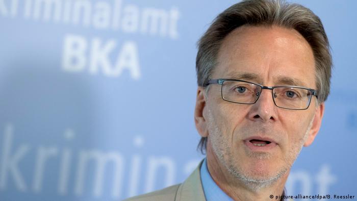 Deutschland, Wiesbaden: BKA Präsident Holger Münch stellt Bericht zur organisierten Kriminalität vor