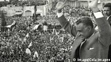 The President of the UAR (United Arab Republic) Abdel Nasser after the rupture of relations with Syria greets his people, Cairo, Egypt x04682x The President of The UAR United Arab Republic Abdel Nasser After The rupture of relations With Syria greets His Celebrities Cairo Egypt x04682x