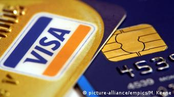 Visa Kreditkarte EMV-Chip (picture-alliance/empics/M. Keene)