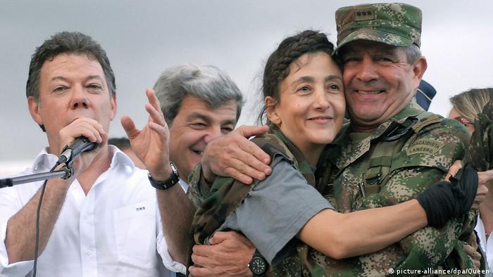 Kolumbien Juan Manuel Santos Freilassung Ingrid Betancourt (picture-alliance/dpa/Queen)