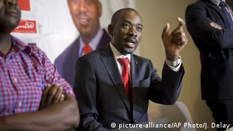 Simbabwe Wahl | Nelson Chamisa, Opposition - MDC