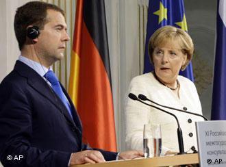 German Chancellor Angela Merkel with Russian President Dmitry Medvedev