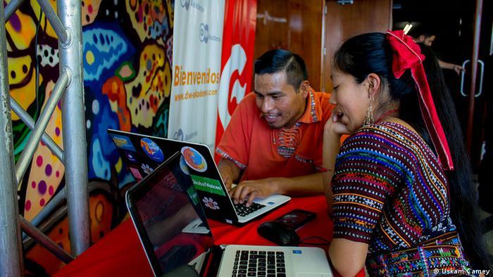 Guatemala-Stadt Digital-Aktivisten Treffen Wikipedia (Uskam Camey)
