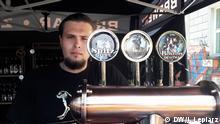 Internationale Bierfestival in Karl-Marx-Allee in Berlin Kacper Waliński von der Brauerei Złoty Pies (c) DW/Jacek Lepiarz