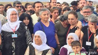 Familien von Opfern, die 2015 in einem Terroranschlag in der Türkei getötet wurden