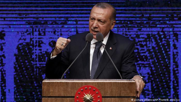 Türkei, Präsident Recep Tayyip Erdogan in Ankara (picture-alliance/AP Photo/B. Ozbilici)