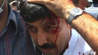 برخورد نیروهای امنیتی با مردم در نماز جمعه بیست و ششم تیرماه تهران