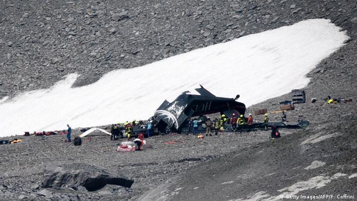 İsviçre'de uçak kazası: 20 ölü