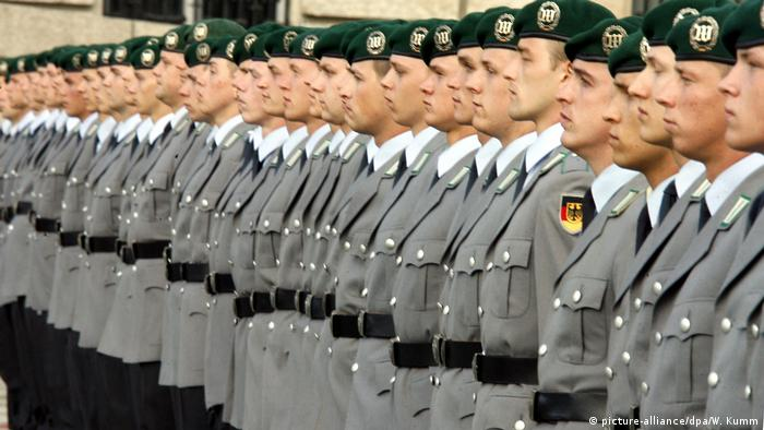 Recruits of the Bundeswehr take part in the public vow