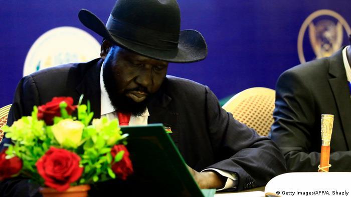 Sudan Khartum Abkommen zur Machtteilung im Südsudan unterzeichnet (Getty Images/AFP/A. Shazly)