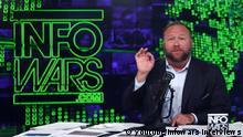 Alex Jones in seiner Sendung Infowars
