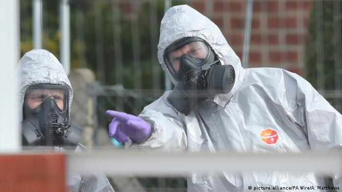 British experts at the scene of the attack in Salisbury earlier this year (picture-alliance/PA Wire/A. Matthews)