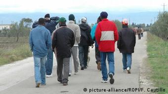 Χιλιάδες μετανάστες καταφθάνουν κάθε χρόνο στην Ιταλία