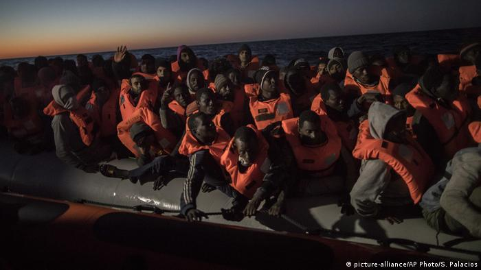 Rettungsaktion von Open Arms auf dem Mittelmeer