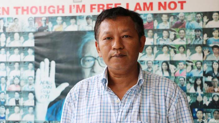 Myanmar Yangon - Bürger Myanmar äußern sich zum Stichtag 8.8.2018 zur Demokratie: Bo Kyi (DW/V. Hölzl)