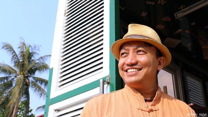 Myanmar Yangon - Bürger Myanmar äußern sich zum Stichtag 8.8.2018 zur Demokratie: Tim Aye Hardy (DW/V. Hölzl)