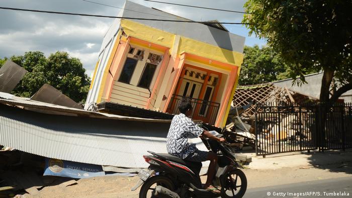 Indonesien Zerstörung Erdbeben Lombok (Getty Images/AFP/S. Tumbelaka)