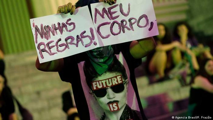Protesto contra a lei de proibição do aborto no Rio