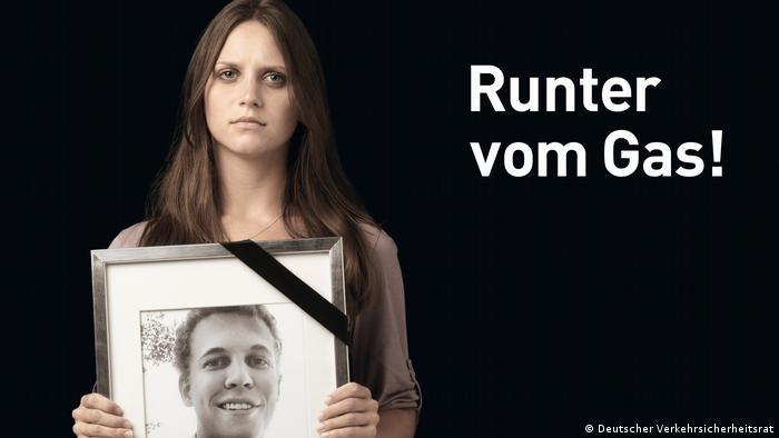 Шокові плакати проти перевищення швидкості на німецьких автобанах