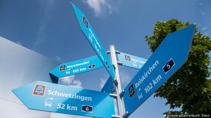Deutschland, Elektromobilität | Aldi baut Elektrotankstellen in Autobahnnähe