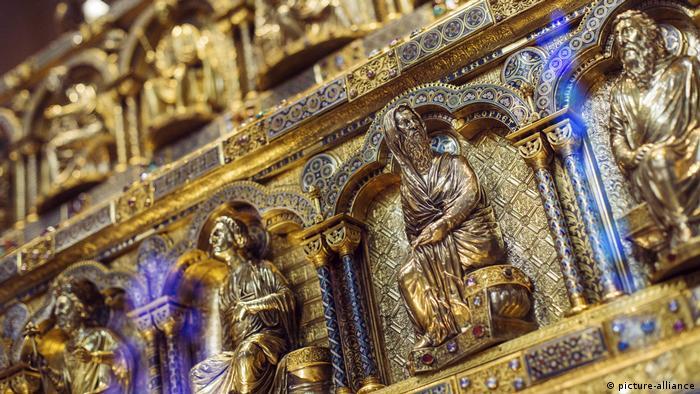 Рака трех королей-волхвов в Кельнском соборе