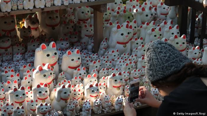 Der Gotokuji-Tempel in Tokio hat schon seit langer Zeit spirituelle Besucher angezogen mit seinen tausenden von Figuren, die Glück bringen sollen.