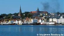 Hafen mit Kirche in Flensburg
