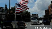 USA Flagge an Jeep in Charlottesville