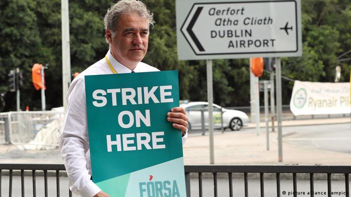 Ryanair pilot on strike