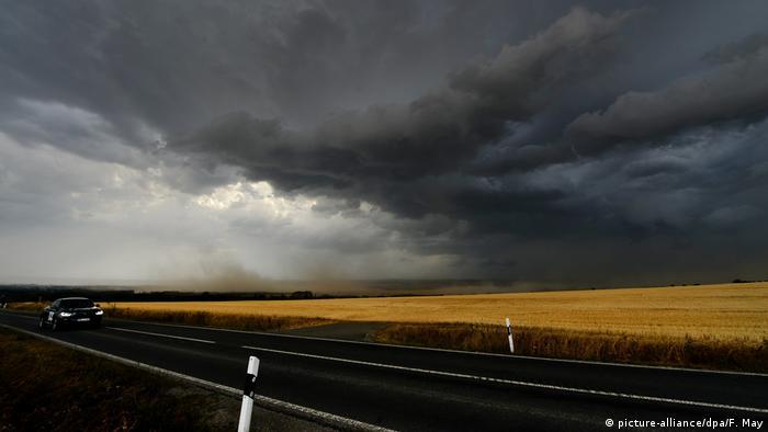 Deutschland - Gewitterwolken bei Mühlhausen